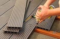 Укладка доски и монтаж террасного покрытия