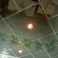 Зеркальный тонированный потолок с фацетом титан (графит) 600х600мм